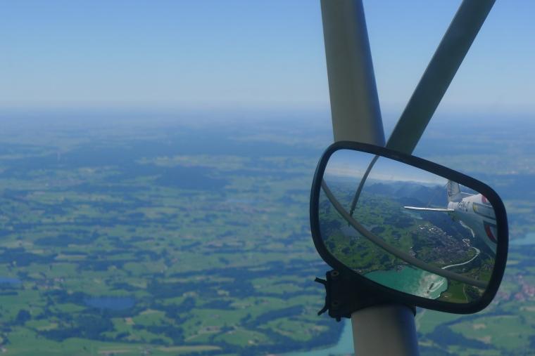 Blick aus dem Cockpit in den Rückspiegel © Maja Christ
