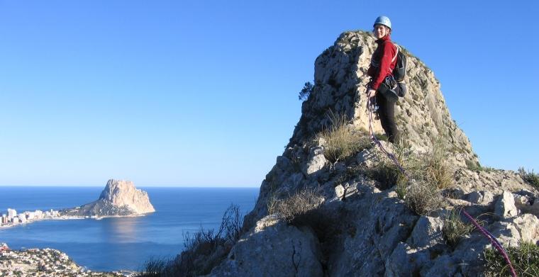 Sierra de Toix mit dem Peñón de Ifach im Hintergrund © Andrés Chavarría