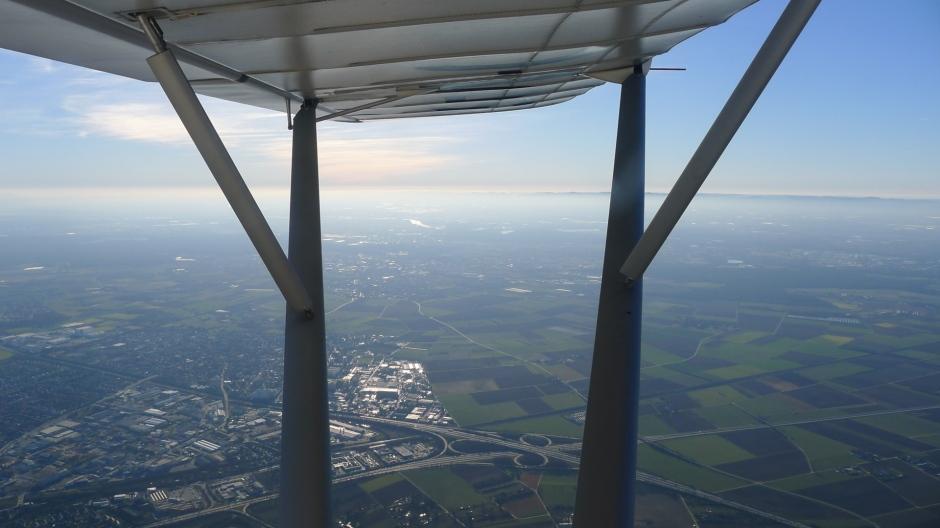 Flug über die Rheinebene mit Blick auf die Pfalz © Maja Christ