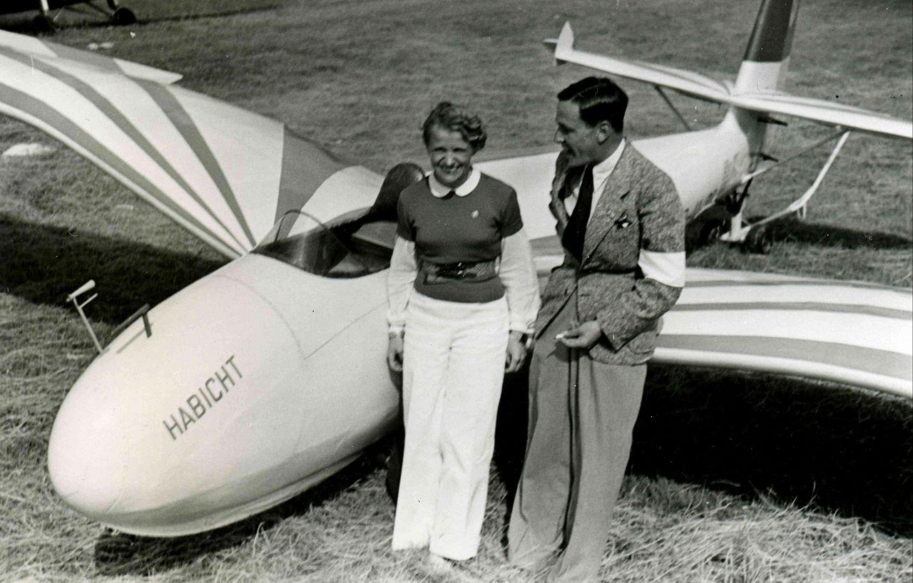 Im Auftrag des Fieseler-Flugzeugbau, Kassel - Archiv der Gerhard-Fieseler-Stiftung, CC BY-SA 3.0 de