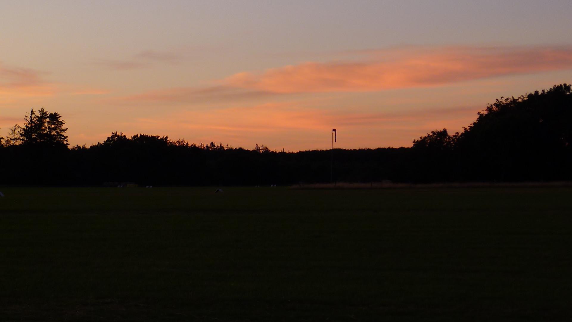 Abendstimmung am Flugplatz Wyk © Maja Christ