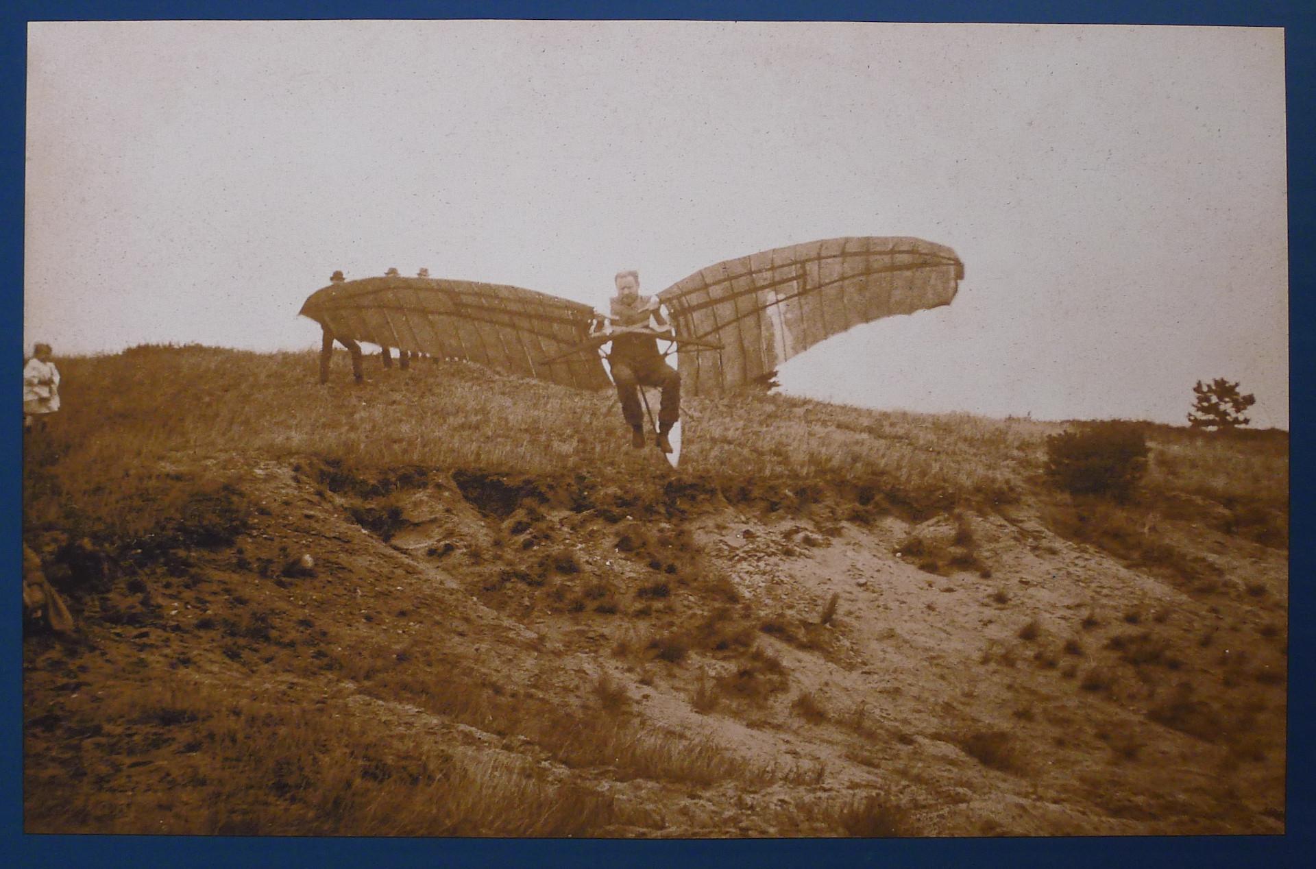 Flugversuch am 27. September 1891 in Derwitz [Originalfoto: Carl Kassner]