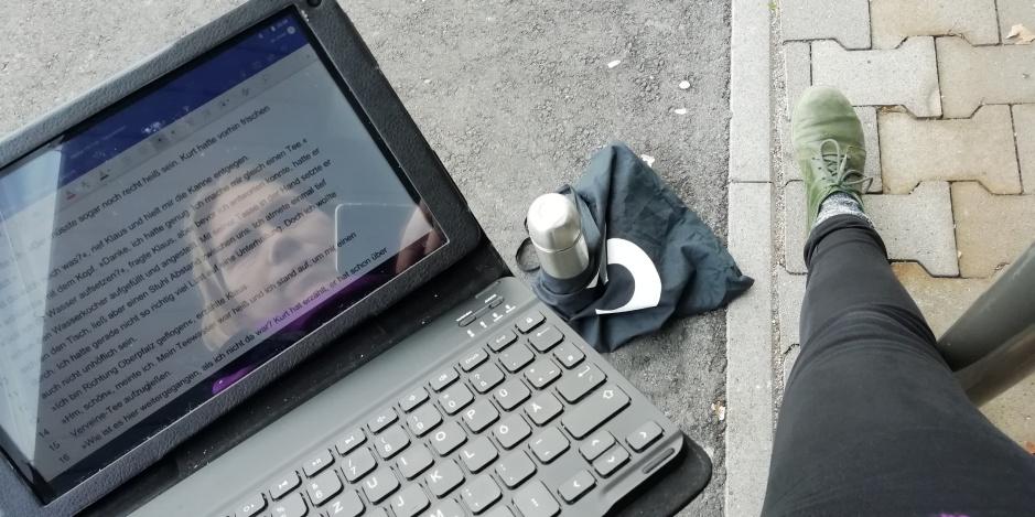 Schreiben kann man überall © Maja Christ