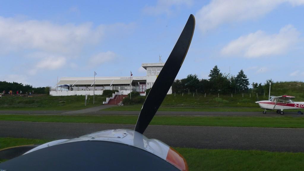 Ankunft am Flughafen Norderney EDWY © Maja Christ