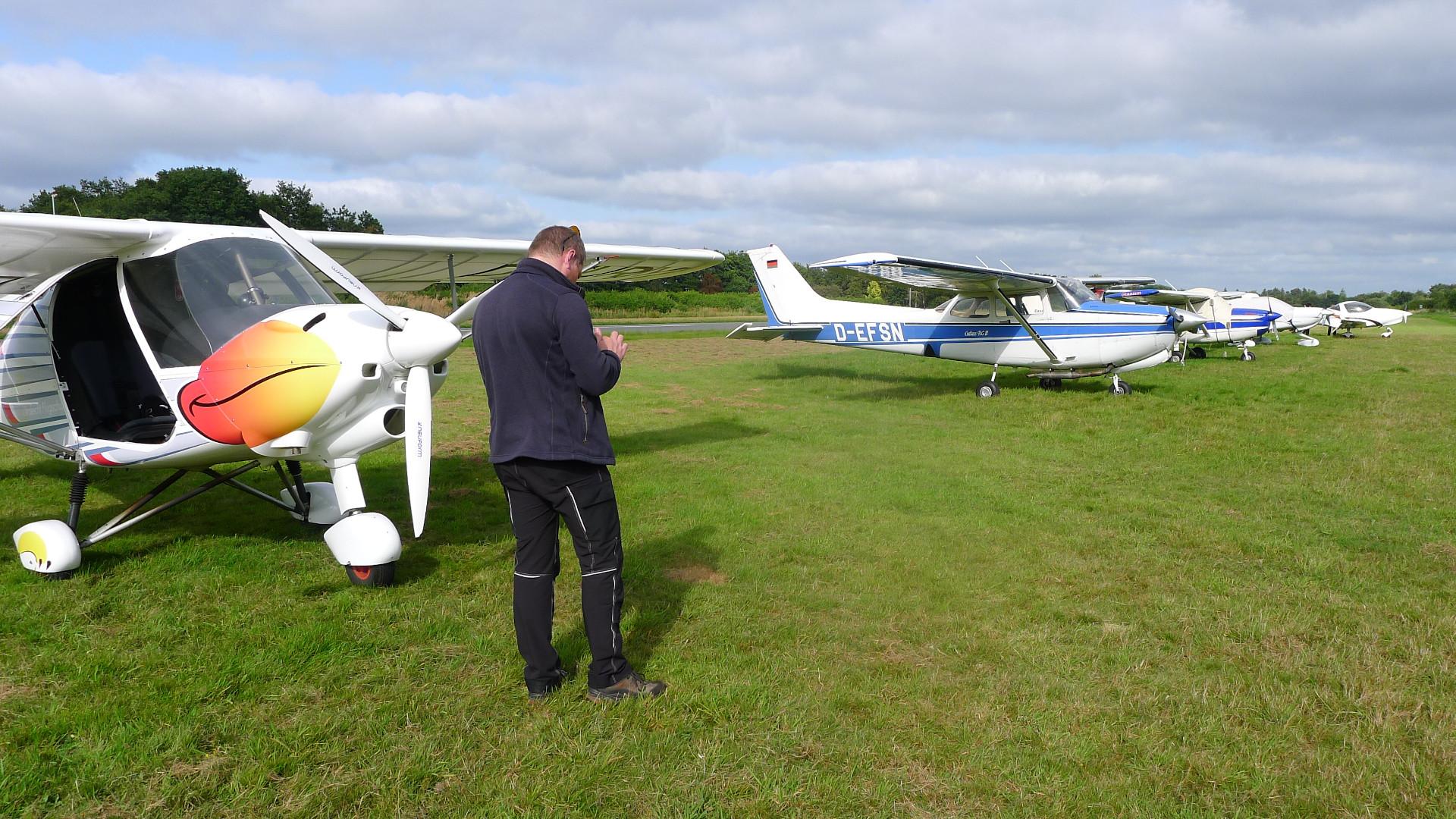 Flugplan aufgeben und Wetter checken in EDWF © Maja Christ